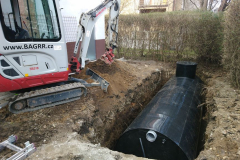 ukládání nádrže na dešťovou vodu