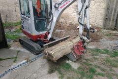 přesun betonových bloků