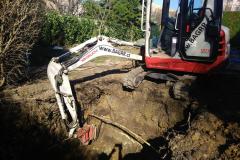 obkopat neznámý kabel, později jej přijela odpojit specializovaná firma